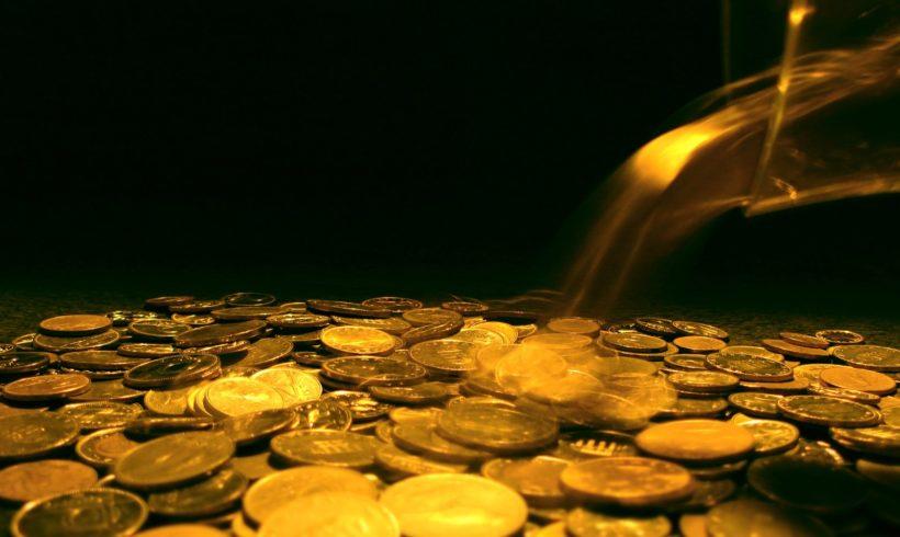 L'argent gouverne le monde,  mais qui gouverne l'argent ?